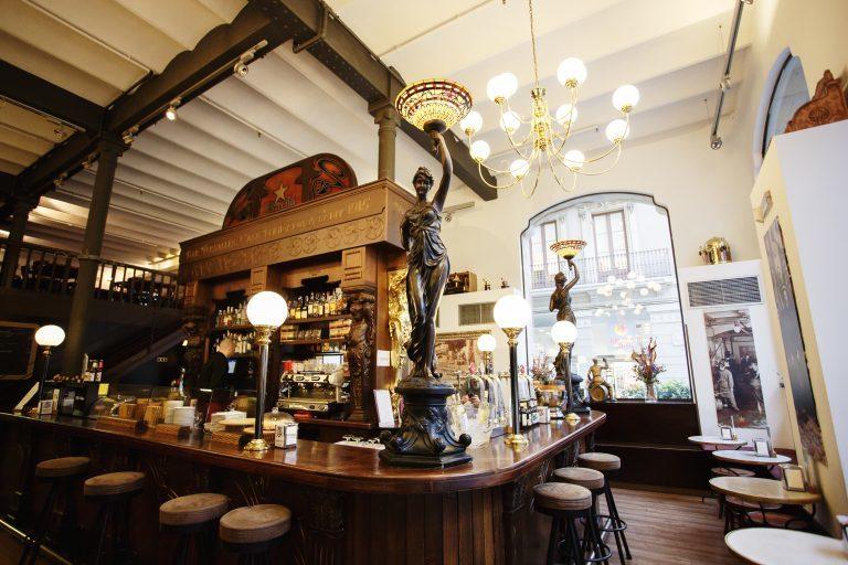 Bar Versalles
