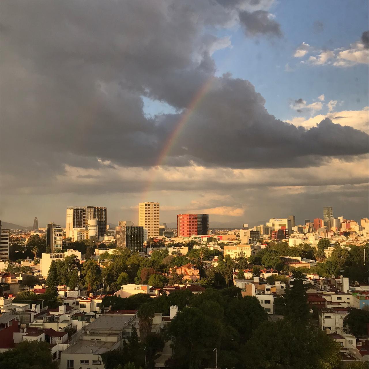 Edificios de la CDMX con arcoíris