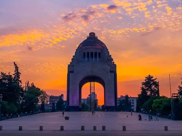 Atardecer en el Monumento a la Revolución