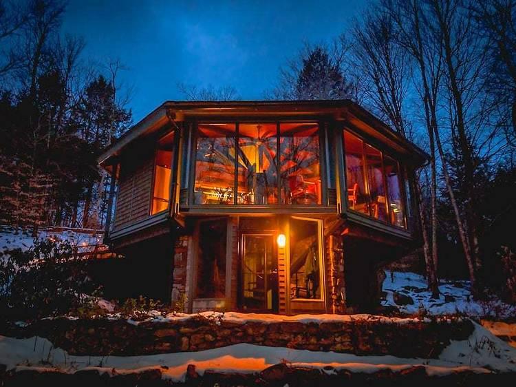 Otis, MA: Octagonal Treehouse in Berkshires