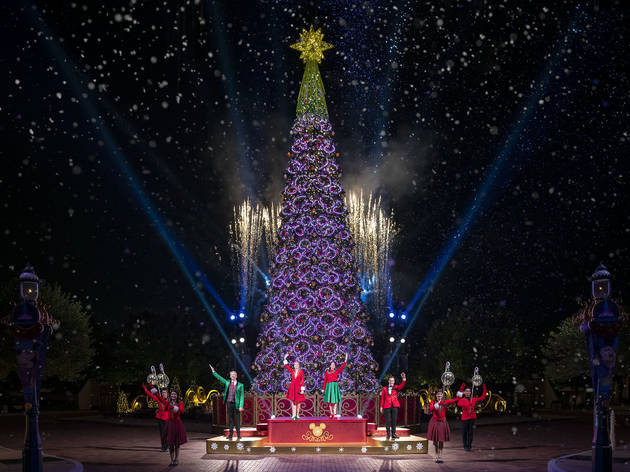 Hong Kong Disneyland christmas 2020