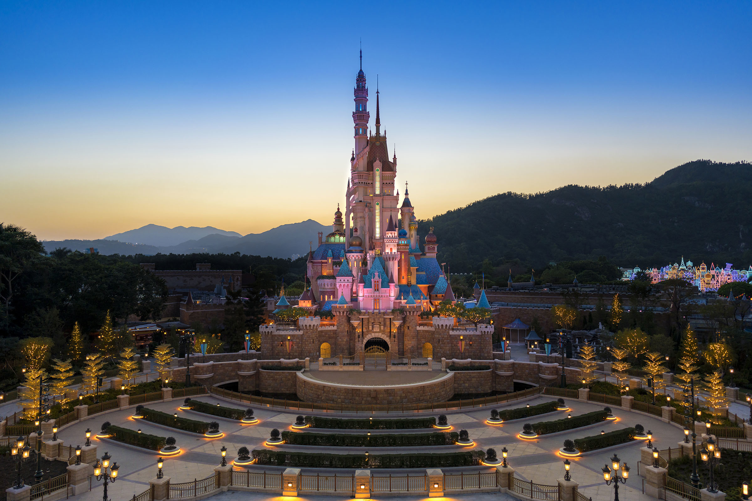 Hong Kong Disneyland castle of magic dreams