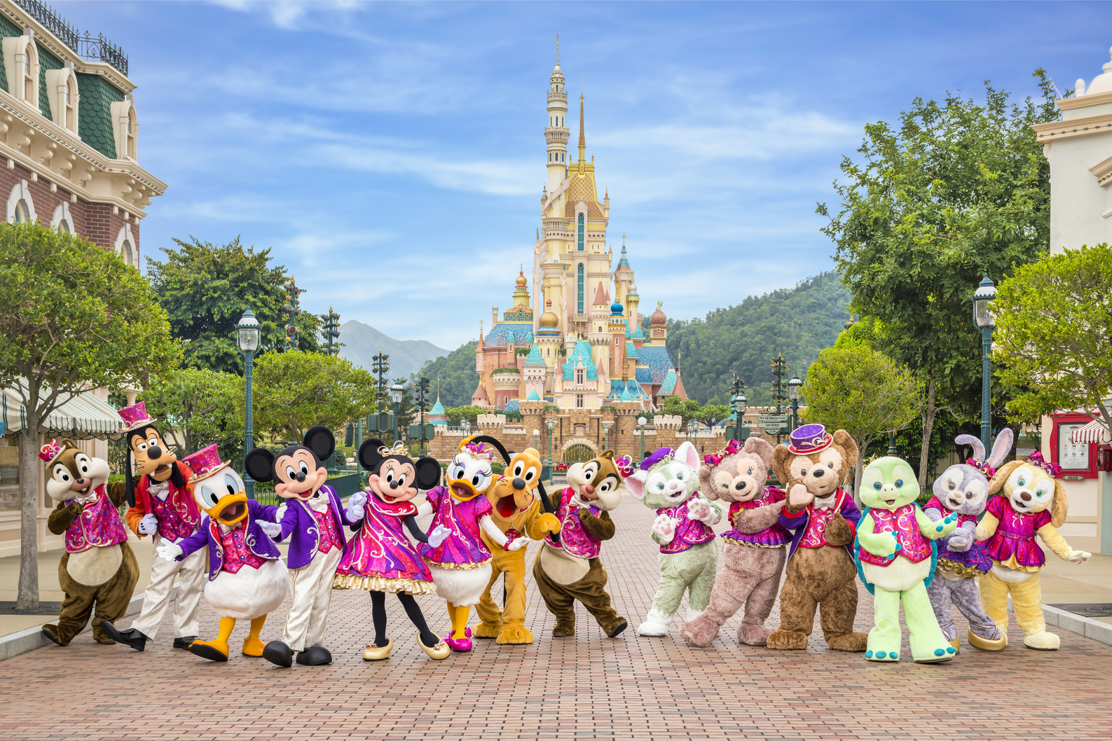 Hong Kong Disneyland castle of magic dreams