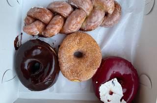 fan fan doughnuts