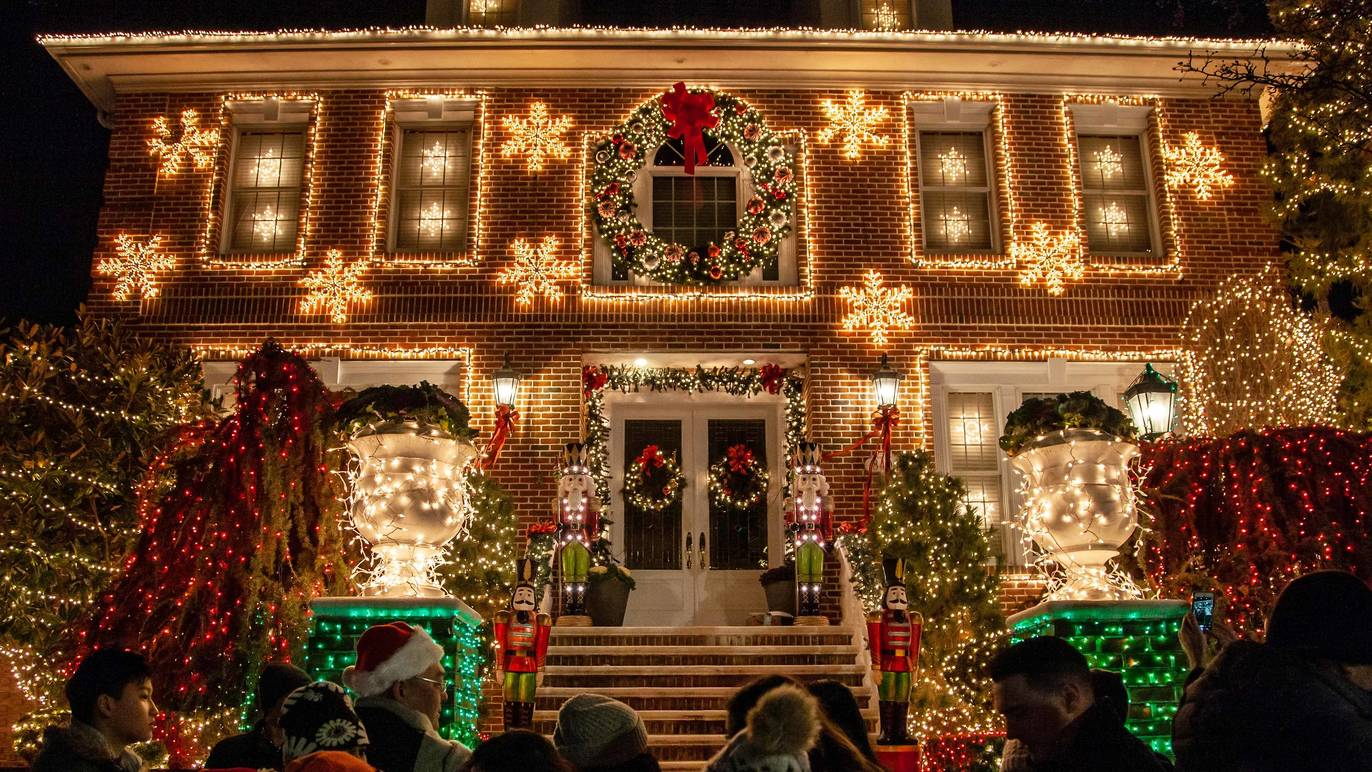 New Style Christmas Lights 2021 The Best Christmas Lights Nyc Offers And Festive Attractions