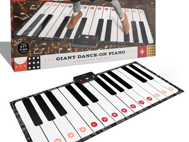 dance on piano mat