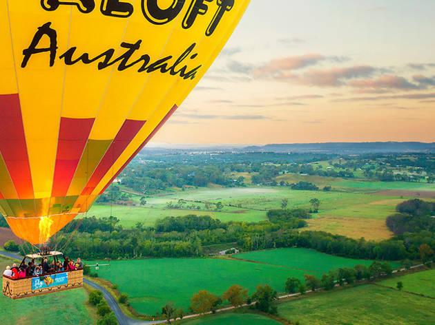 Hot air balloon sunrise cruise