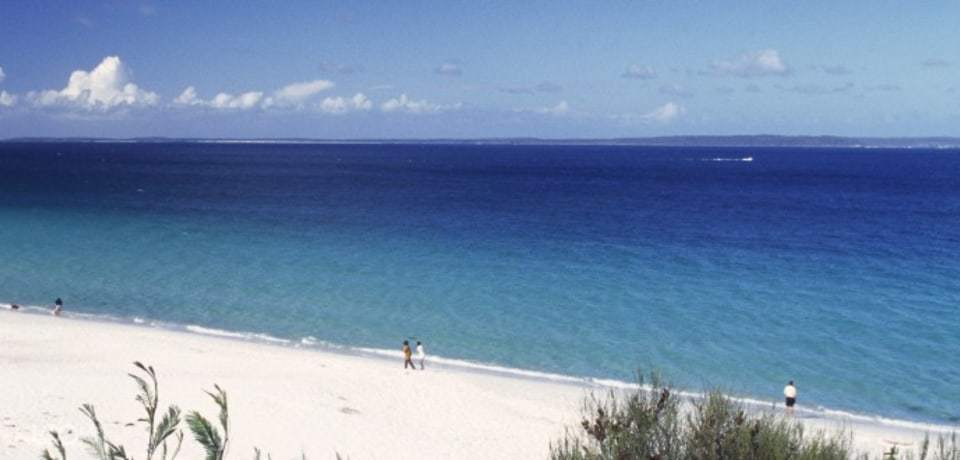 View of the famous blue water at Hyams Beach in Jervis Bay