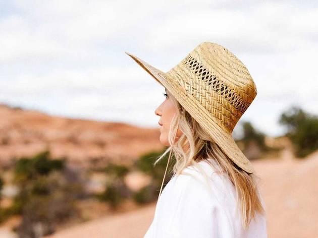 STEL Gal hat