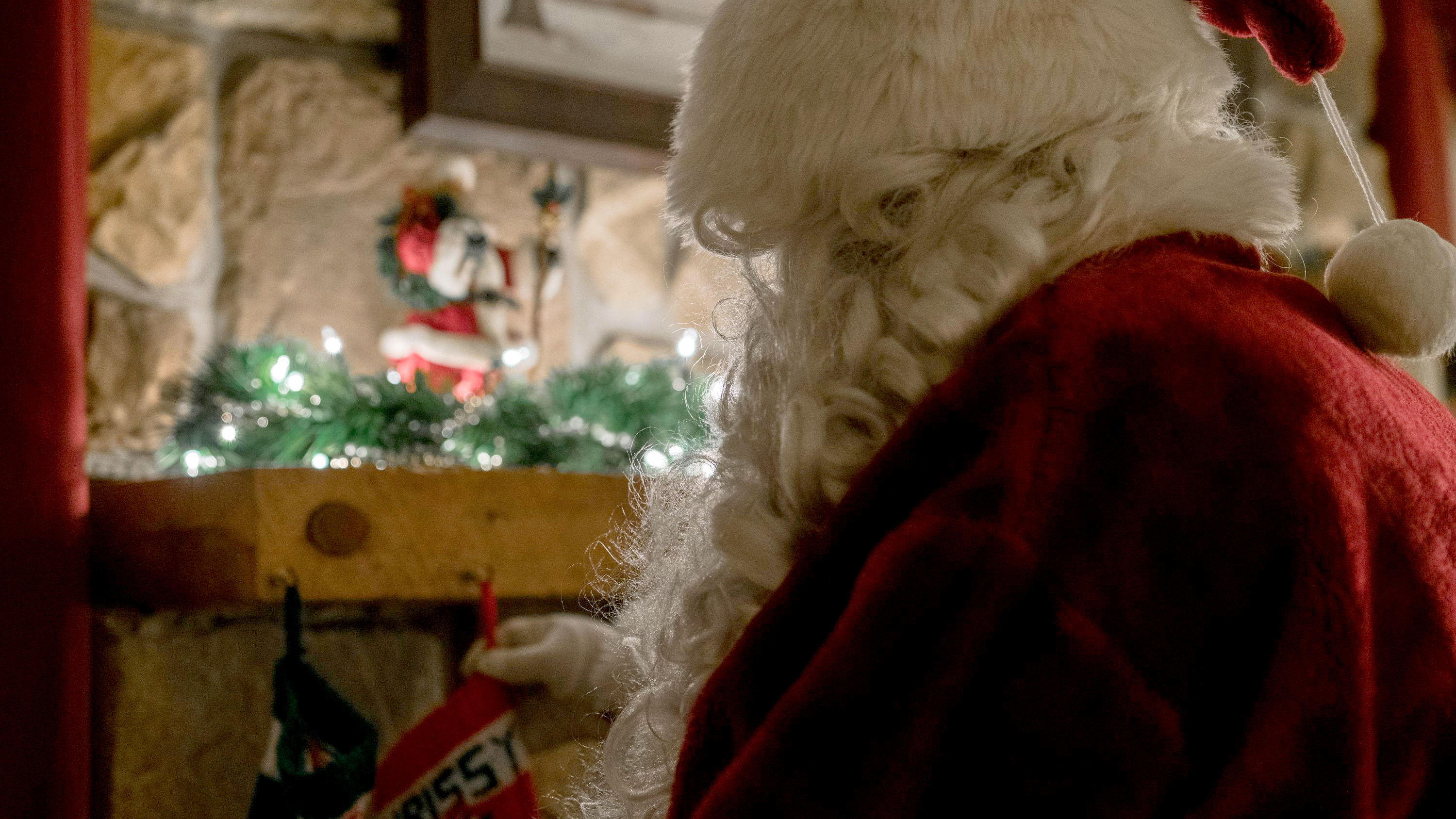 Santa Claus cancels his annual Christmas visit to Japan due to Covid-19