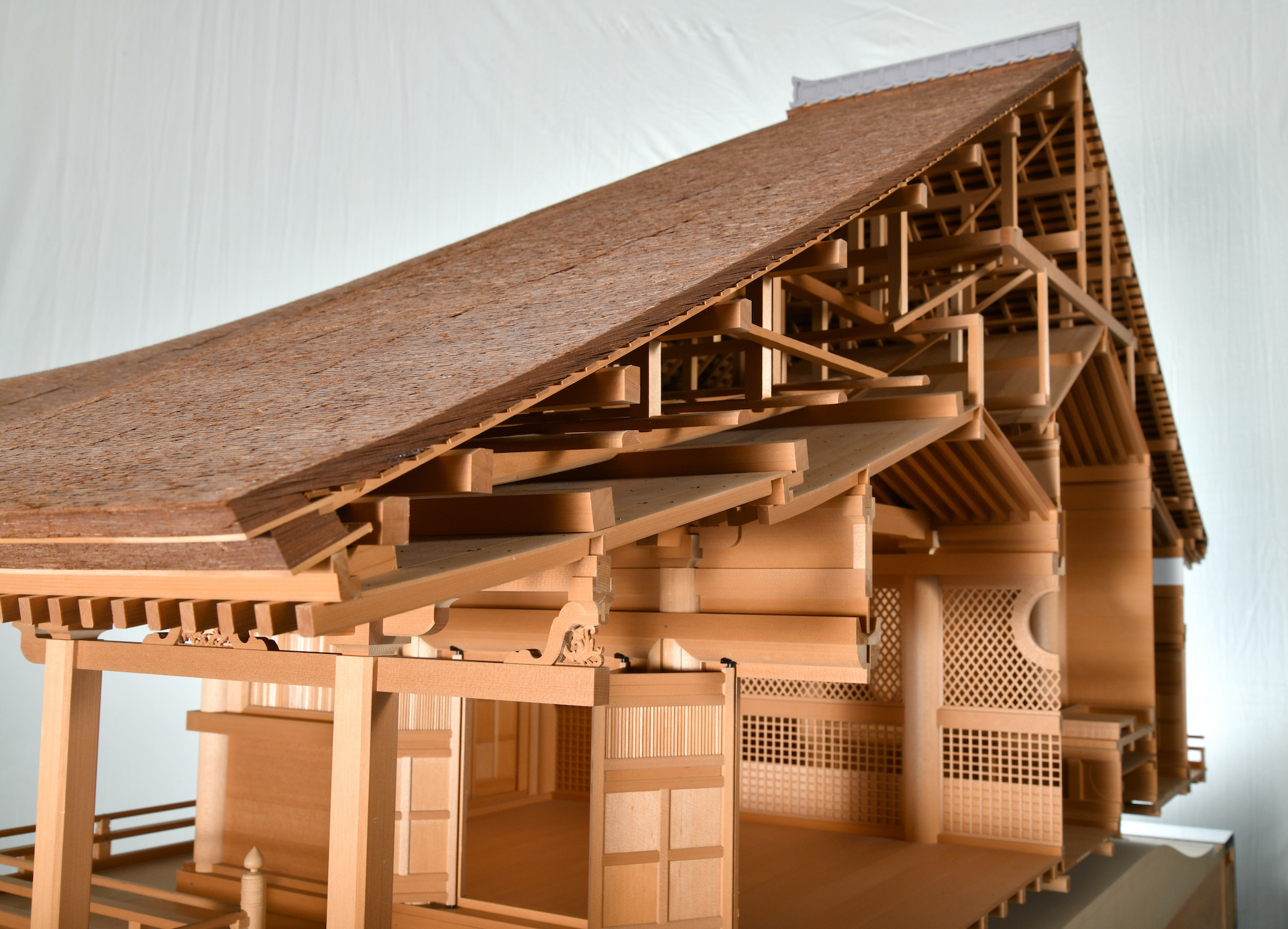 Japanese Architecture: Traditional Skills and Natural Materials