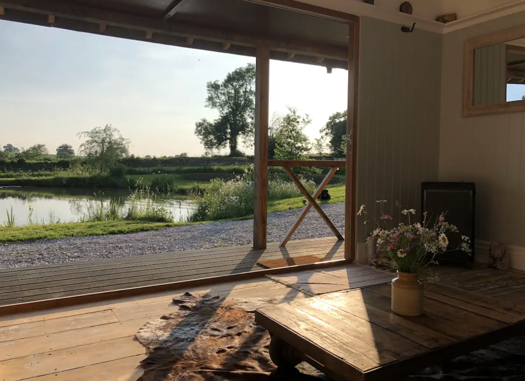 The Pond House, Airbnb