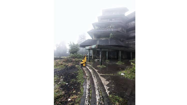 The Yellow Jackets, Fotografia, Hotel Shangai