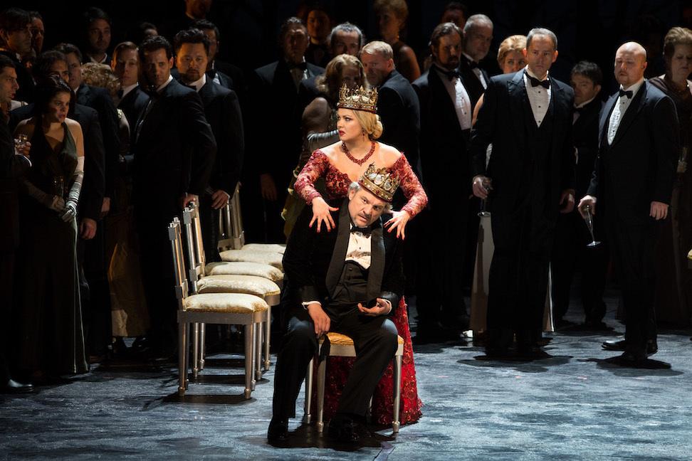 Anna Netrebko and Željko Lučić in Macbeth