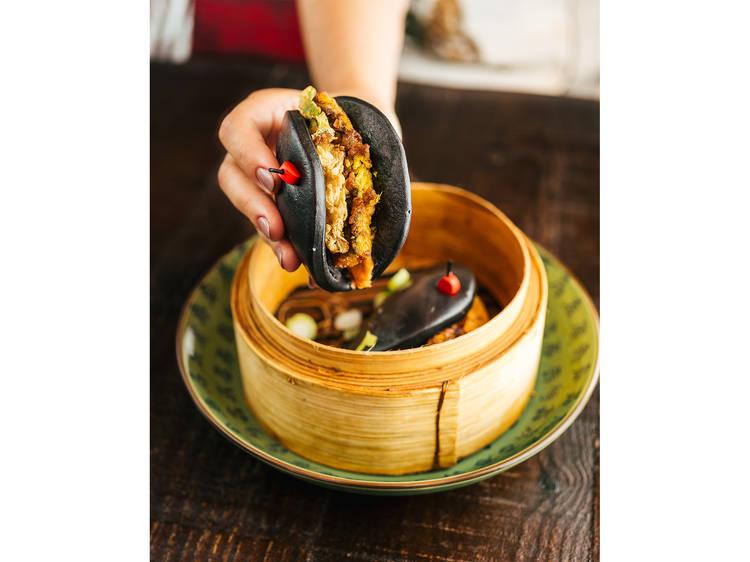 Robalo com rabanete amarelo em conserva e maionese picante do Boa-Bao