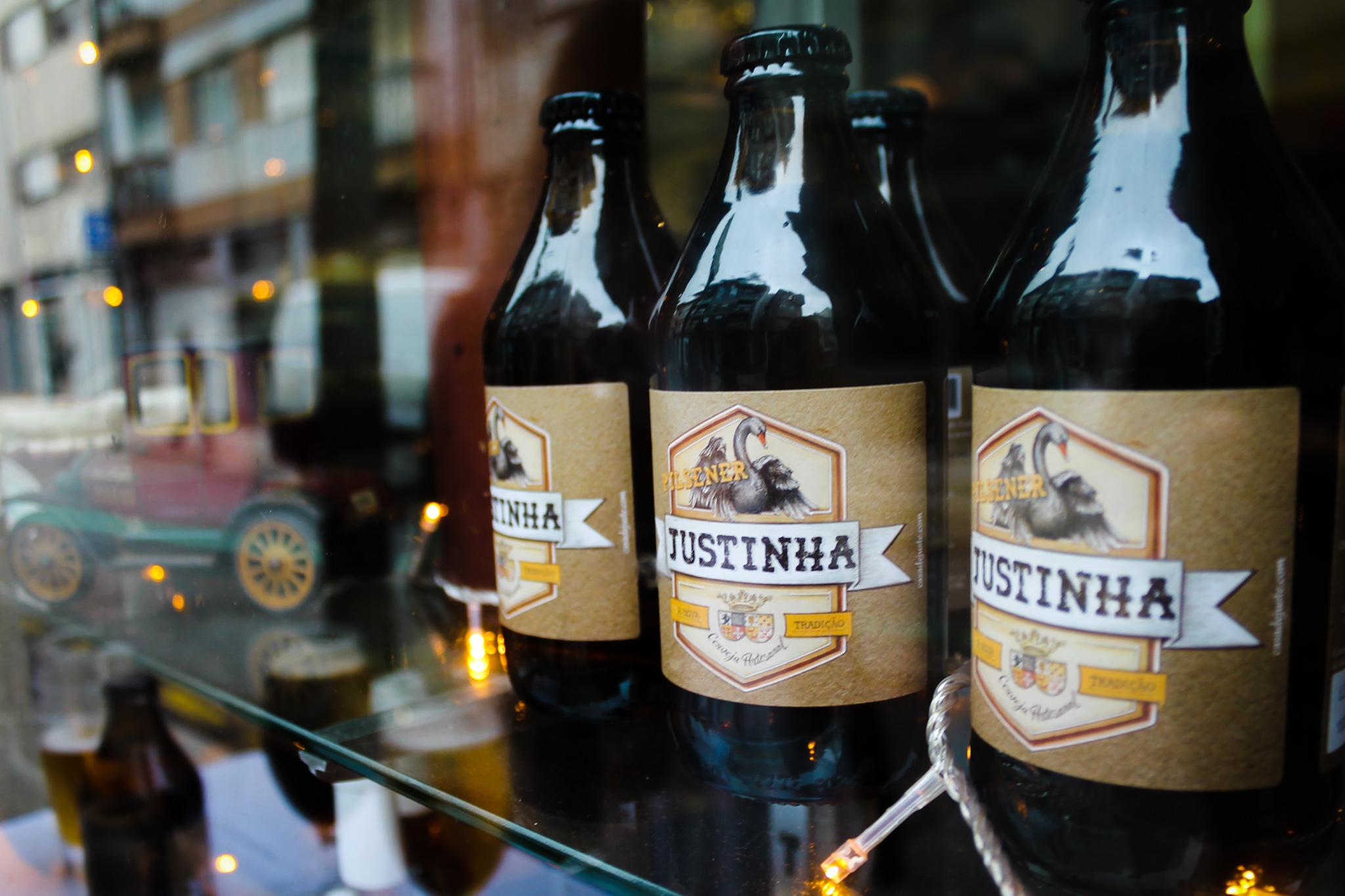 Justinha: há cerveja artesanal, vinhos e produtos gourmet em Bombarda