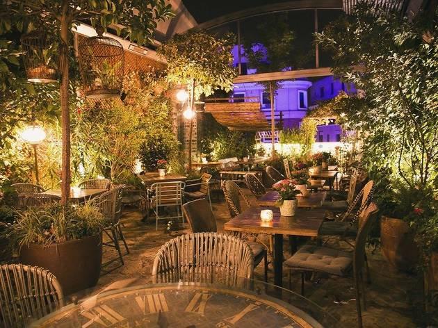 Terraza de El jardín secreto de Salvador Bachiller
