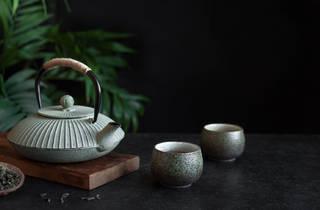 Traditional Japanese iron teapot – stock photo