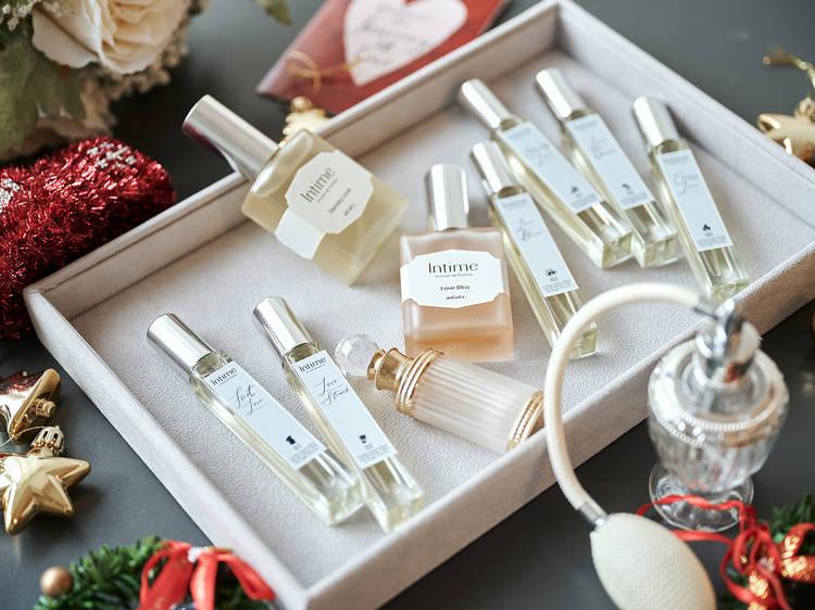 Romantic gift ideas under $1,000