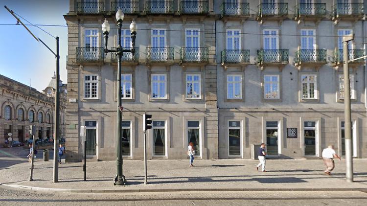 A GMS Store Aliados está instalada no Palácio das Cardosas
