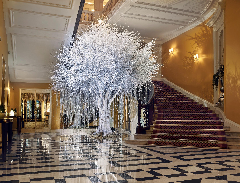 Claridge's Christmas tree 2020