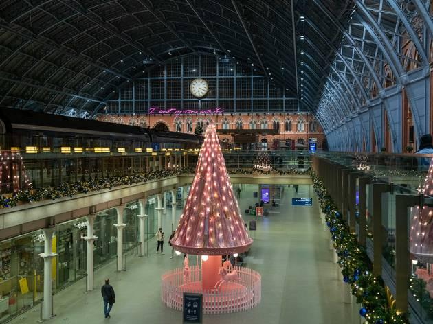 St. Pancras International x EL&N unveil 'Tree of Hope' Christmas Display – 06.11.20