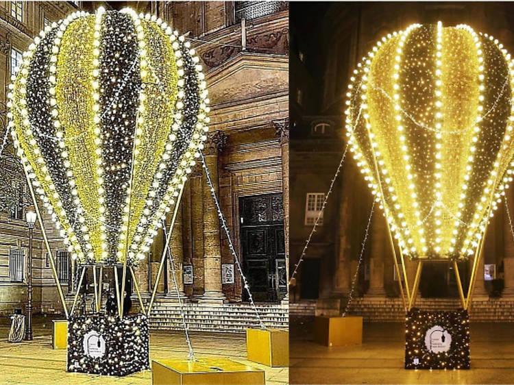 Faubourg Saint-Honoré (1er) : une montgolfière géante
