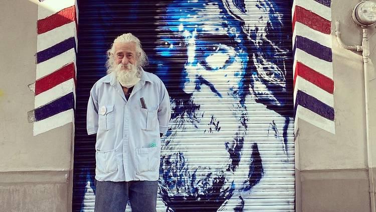 Don Manuel festeja sus 80 años y Peluquería Ibarra el 88 aniversario