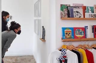 Exposição 'Partir' de Júlio Dolbeth e Mariana a Miserável