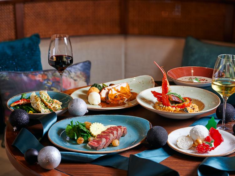 Renaissance Hong Kong Harbour View Hotel: Mirage Bar & Restaurant