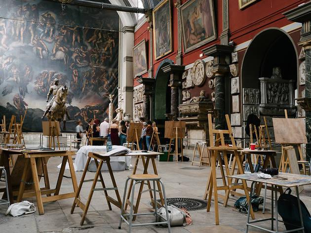 La prestigieuse École des Beaux-Arts de Paris propose des cours pour les amateurs