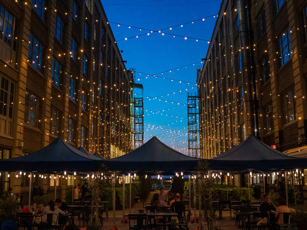 Outdoor dining at Industry City