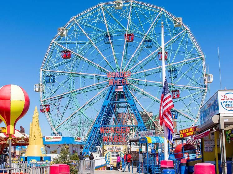 Deno's Wonder Wheel's new roller coaster
