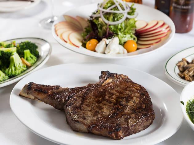 Benjamin Steakhouse Prime, Christmas Dishes, steak, broccoli