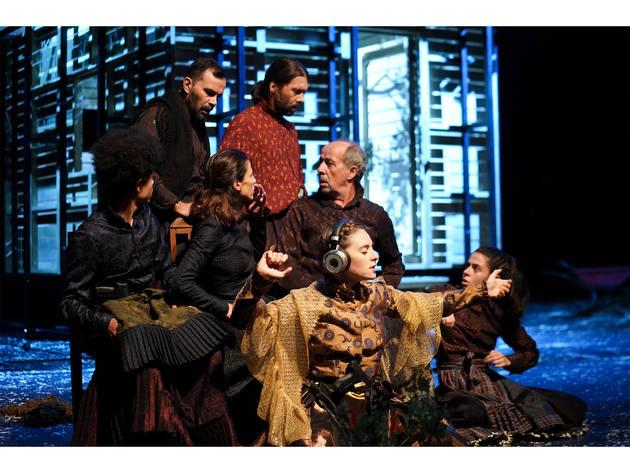 Palco, Teatro, Catarina e a Beleza de Matar Fascistas