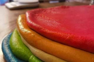 Roscón de reyes, Rainbow Bagels