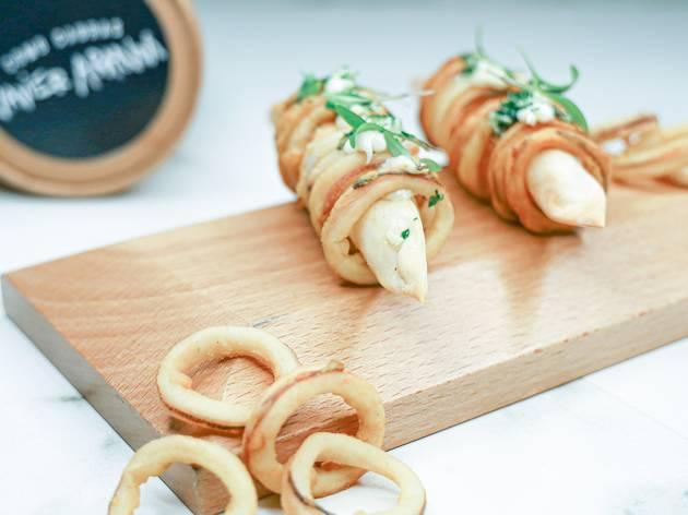 El delicioso y original bocadillo de calamares con estrella Michelin que te llega ahora a casa