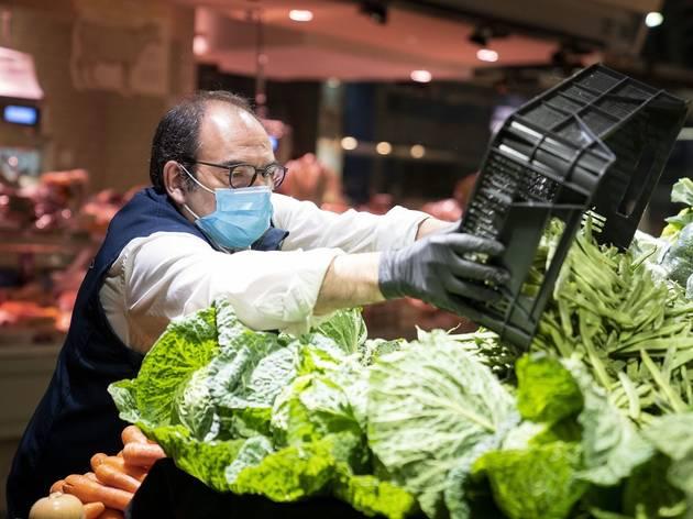 Botiga de verdures del Mercat del Ninot de Barcelona