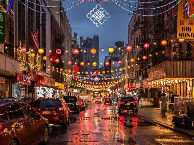 Hundreds of paper lanterns are glowing in Chinatown right now