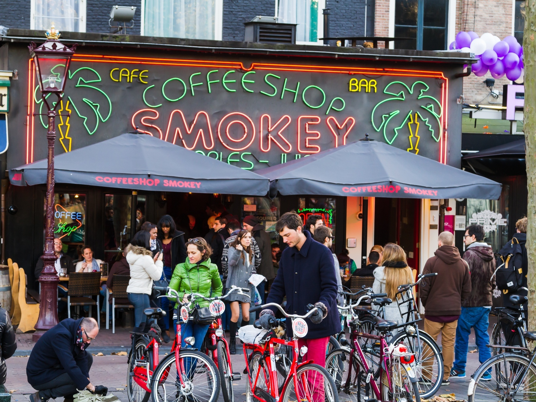 Amsterdam could ban tourists from its cannabis coffeeshops