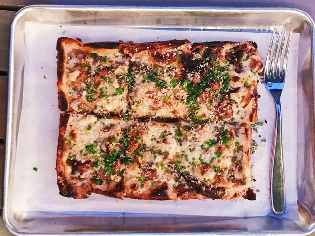 Nic's on Beverly vegan pizza