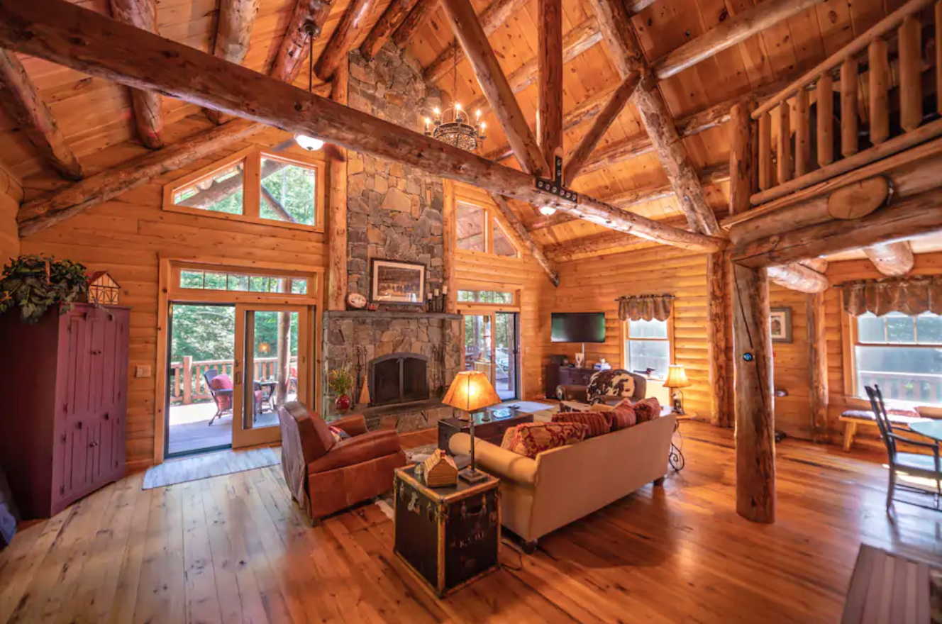 Wilmington VT log cabin airbnb