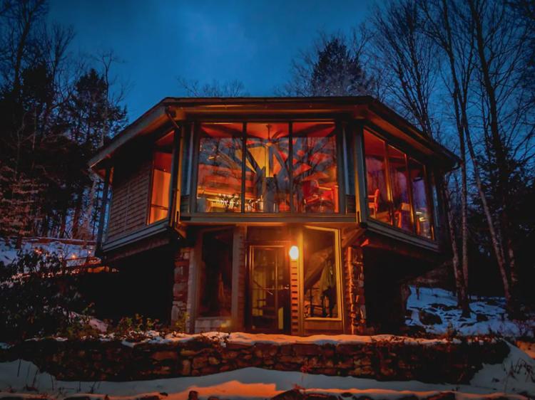 Octagonal Treehouse in Otis, MA