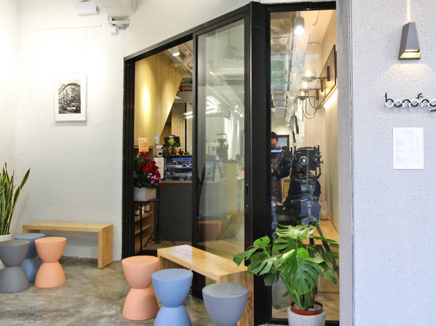 New coffee shop opens in Sham Shui Po combining coffee with art