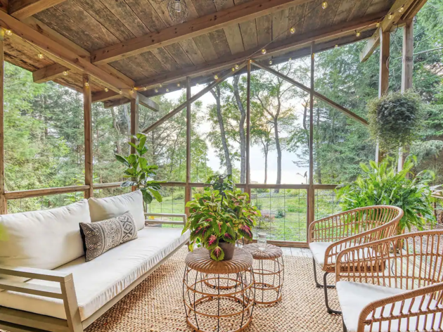 The most romantic Airbnb homes you can rent near Chicago
