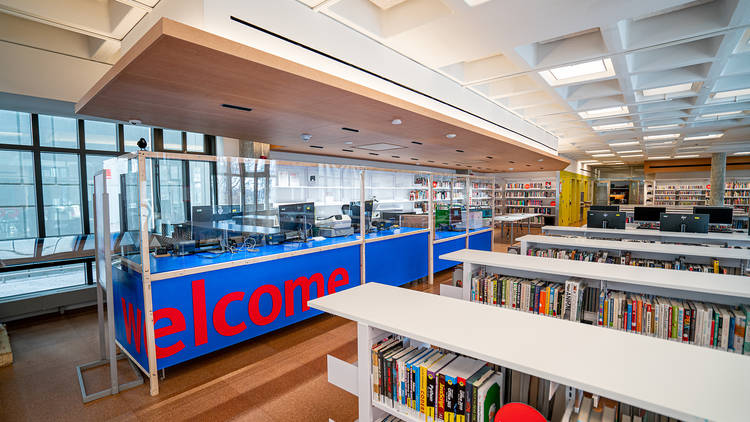 Roosevelt Island NYPL library branch