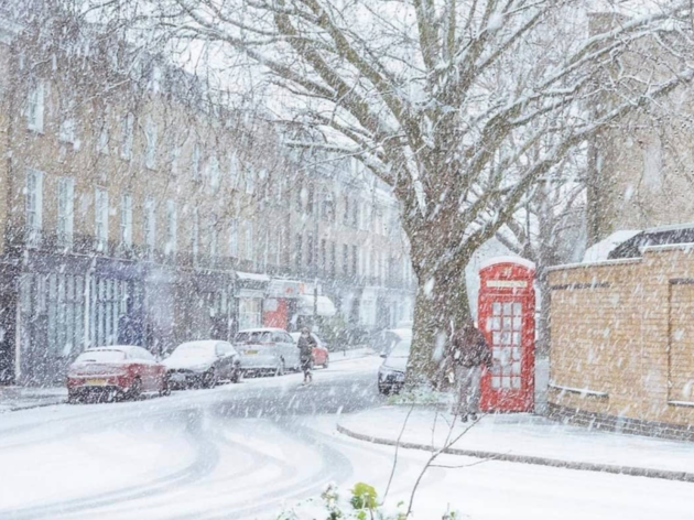 Timeline-cleansing pictures of London in the snow
