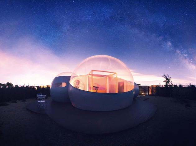 Hoteles burbuja para dormir bajo las estrellas