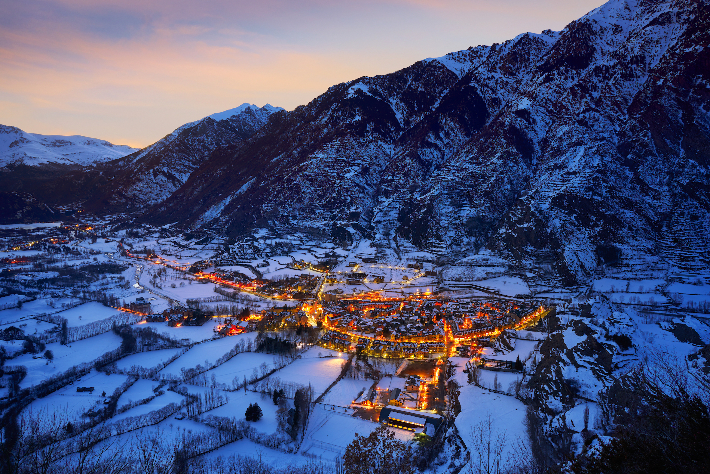 Benasque pueblo, junto a la estación de esquí