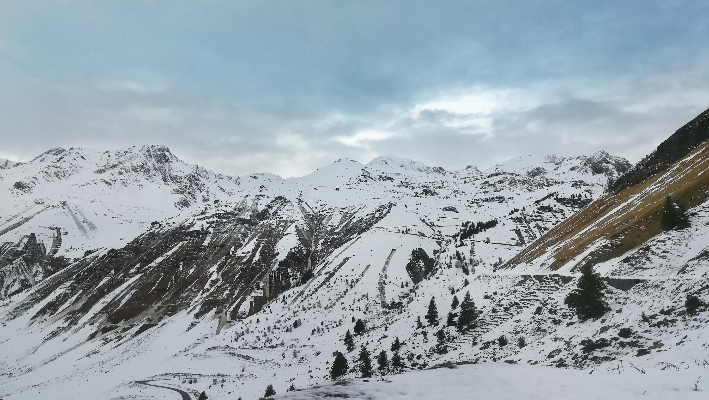 Valle de Barèges. Pirineo francés nevado